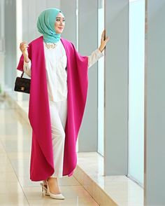 This chic girl, Dian Pelangi, definitely got style mashaAllah!