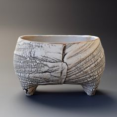 Japanese potter/artist/musician Akira Satake's website showcases his gallery of functional and sculptural ceramics and his music. Pottery Bowls, Pottery Art, Raku Pottery, Slab Pottery, Pottery Ideas, Pottery Supplies, Clay Bowl, Hand Built Pottery, Japanese Ceramics