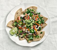 Native Foods Vegan Nachos with Cashew Cheese. the best. Sin Gluten, Vegan Gluten Free, Dairy Free, Cilantro, Native Foods, Vegan Nachos, Healthy Nachos, Cashew Cheese, Vegan Cheese