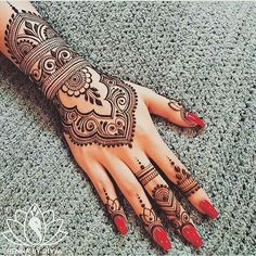 WOW(mandala henna) Yes or no? WOW(mandala henna) Yes or no? WOW(mandala henna) Yes or no? Related Simple & Easy Henna Flower Designs of All Time Henna Tattoo Hand, Henna Tattoo Designs, Henna Tattoos, Mehndi Designs For Hands, Henna Mehndi, Mehendi, Tattoo Arm, Neck Tattoos, Grey Tattoo