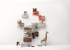 String system has kids room solutions for children of any age. Enjoy all the kids' inspiration and find exactly the kids room furniture you are looking for. Metal Shelves, Wall Shelves, Zara Home, Swedish Design, Scandinavian Design, String Pocket, Kids Room Furniture, Shelving Solutions, Buy Metal