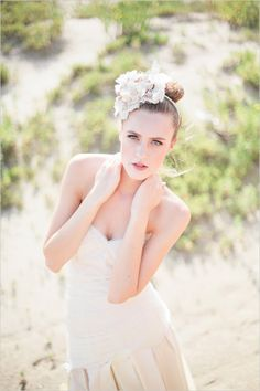 Step by step instructions on how to wear beach makeup for your wedding, to ensure your photographs look as lovely as your surroundings. Wedding Braids, Short Wedding Hair, Wedding Hair Pieces, Wedding Hair And Makeup, Wedding Pics, Bridal Makeup, Wedding Beach, Wedding Ideas, Wedding Accessories For Bride