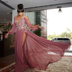 Bonang Matheba Stuns In Flowing Gert-Johan Coetzee Dress At House Of BNG Launch Elegant Dresses Classy, Elegant Dresses For Women, Classy Dress, Hot Outfits, Classy Outfits, Evening Dresses, Prom Dresses, Formal Dresses, Couture Dresses