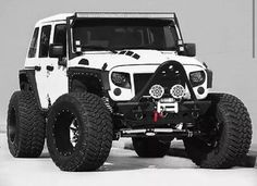 Don't know what it is about a white jeep. Jeep 4x4, Jeep Truck, Cool Jeeps, Cool Trucks, Cool Cars, Jeep Wrangler Rubicon, Jeep Wrangler Unlimited, Wrangler Sport, Jeep Wranglers