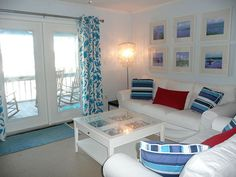 Beach House Decorating Ideas With White and Blue Colors Theme