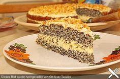 Illes super schneller Mohnkuchen ohne Boden mit Paradiescreme und Haselnusskrokant                                                                                                                                                                                 Mehr