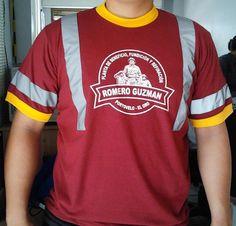 Confección de camisetas con colores combinados + cintas reflectivas + serigrafía a un color