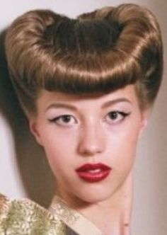 Bumper Bangs, Pompadour Hairstyle, Hair Styles, Hair Makeup, Hairdos, Hair Cuts, Hairstyles, Hair Style, Coiffures