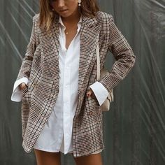 Oversized plaid blazer street style street fashion the preferred solution . - Oversized checkered blazer street style street fashion is the preferred solution - Style Outfits, Blazer Outfits, Mode Outfits, Casual Outfits, Casual Ootd, Casual Blazer, Blazer Fashion, Dress Casual, Look Fashion