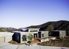 Take a Stroll Through a Malibu Marvel Tucked Into the Mountains | DomaineHome.com