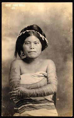 Tattooed lady from igorot tribe, Philippines Philippines Fashion, Philippines Culture, Traditional Filipino Tattoo, Tribal Images, Filipino Fashion, Filipino Tribal Tattoos, Filipino Culture, Filipina Beauty, Female Pictures