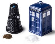 Tardis and Dalek! Doctor Who: Salt and Pepper Shakers