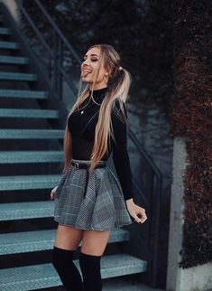 Outfit Trends - Plaid skirt outfits ideas what to wear plaid skirts Winter Date Night Outfits, Winter Fashion Outfits, Cute Fashion, Look Fashion, Womens Fashion, Fashion Trends, Spring Outfits, Fall Dress Outfits, Urban Fashion