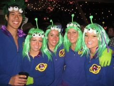 Create your own Toy Story Alien Costume for Halloween Toy Story Halloween Costume, Best Group Halloween Costumes, Toy Story Costumes, Family Costumes, Teacher Costumes, Toy Story Alien Kostüm, Toy Story Kostüm, Cosplay, The Cheetah Girls