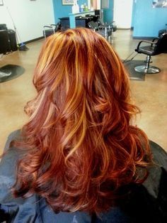 Red with blonde/copper highlights, copper hair color for auburn ombre brown amber balayage and blonde hairstyles Red Hair With Blonde Highlights, Balayage Blond, Red Blonde Hair, Red Brown Hair, Red Hair Color, Copper Highlights, Orange Highlights, Auburn Balayage, Auburn Ombre