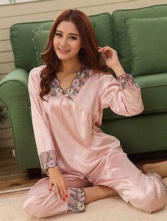 Picking Out a Good Pair of Silk Boxer Shorts Satin Pjs, Satin Sleepwear, Satin Pyjama Set, Como Fazer Short, Lace Lingerie Set, Vintage Lingerie, Silk Pajamas, Long Sleeve Pyjamas, Mode Hijab