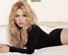 Shakira Shakira - Fotos - VAGALUME 5 Recommended Medication Remedies to Treat Cystic Acne It is very Shakira Style, Shakira Mebarak, Curls For Long Hair, Female Singers, Celebs, Celebrities, Looks Style, Blonde Hair, Lingerie