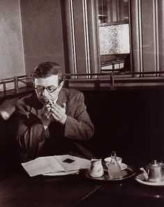 Writers in Cafés  Jean Paul Sartre