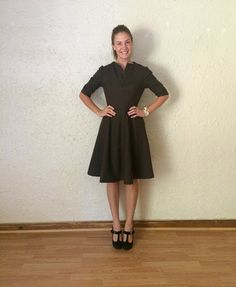 Handmade wool dress by Hannah Mansfield of Palindrome Dry Goods. Made using Vintage Vogue 7637. #handmadefashion #wooldress #falldresses #falldress #handmadedress