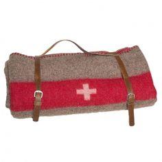 Wolldecke mit eingewobenem Schweizerkreuz, handgefertigtes Lederband, made in Switzerland
