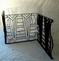 hmm maybe deco insets for the other pic. Stair Railing Design, Fence Design, Metal Handrails, Gates And Railings, Diy Porch, Grill Design, Z Arts, Iron Doors, Art Deco Design