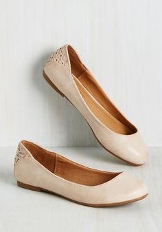 All Good in the Livelihood Flat. Spend the afternoon dancing, laughing, and making memories in the comfort of these ballet flats from Report Footwear. #tan #modcloth