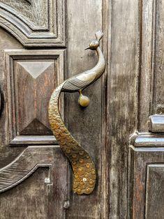 Trendy door knobs and knockers art nouveau 61 Ideas Cool Doors, The Doors, Unique Doors, Door Knobs And Knockers, Sculpture Metal, Black Door Handles, Door Detail, Door Furniture, Door Design