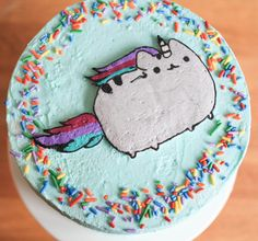 Pusheen the cat - How To Make A Buttercream Transfer Image Oreos, Cake Decorating Tutorials, Cookie Decorating, Cake Cookies, Cupcake Cakes, Pusheen Cakes, Pusheen Birthday, Buttercream Designs, Pastel Cupcakes