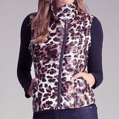 BEBE Leopard Print Puffer Vest (XS) *Worn Once!* BEBE Leopard Print Vest (XS) *Only Worn Once!* super cute and comfy. Great for the Winter time because it's a little poofy and keeps you warm! bebe Jackets & Coats Vests