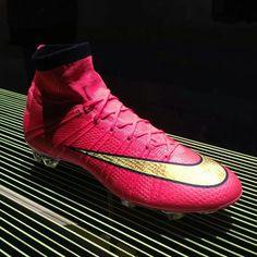 Nike soccer Mercurial super fly IV.