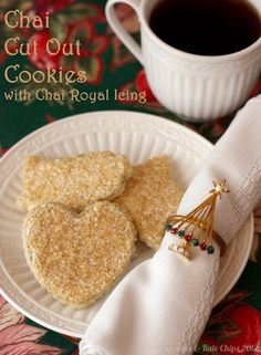 Chai Tea Cut Out Cookies with Chai Royal Icing | cupcakesandkalechips.com | #cookies #chai #chaitea
