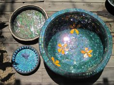 Beautiful Mosaic Bowls. These are inspirational to me as I recently found a love for mosaic. Photobucket