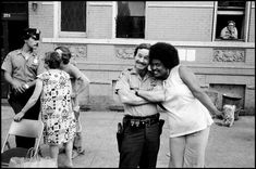 vintage everyday: Pictures of Daily Life of the New York Police Department in the 1970's
