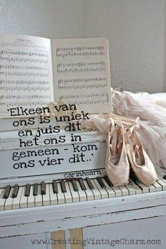Uniek Great Quotes, Me Quotes, Afrikaanse Quotes, Speak Life, Vintage Scrapbook, Letter Board, Give It To Me, Words, Blessings