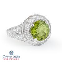 No matter where your vacation may take you, you'll always make a splash with the stunning peridot ring! || 3.73ct Round Manchurian…