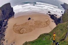 Artist Creates Gorgeous Time-Based Sand Artwork - Enpundit
