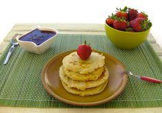 Pancakes Paleo Con Salsa ai Frutti di Bosco- Per conoscere la ricetta visita www.DolciPaleo.com