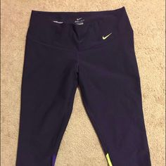 Nike cropped workout leggings  Color: dark purple   Condition: like new!!   Sizing: M  Notes: awesome pants-barely worn  No trades  Bundle discounts  Please use offer button! Nike Pants Leggings