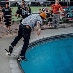 #bondibeachsydney #bondibeach #bondi #beach #sydney #sydneyaustralia #australia #skateboarding #skateboard #bondiskatepark by centrix898 http://ift.tt/1KBxVYg
