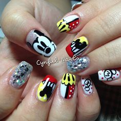 Mickey nail art Minnie Mouse Nails, Mickey Mouse Nails, Crazy Nails, Love Nails, Halloween Nail Designs, Halloween Nails, Easy Nail Art, Cool Nail Art, Gorgeous Nails