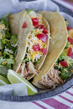 Crockpot Chicken Tacos are an easy weeknight meal in your slow cooker. Chicken, salsa and chicken broth are cooked in your crock pot for an easy weeknight meal. Everyone loves these Slow Cooker Chicken Tacos! Crockpot Shredded Chicken Tacos, Slow Cooker Chicken Tacos, Easy Crockpot Chicken, Chicken Fajita Recipe, Chicken Fajitas, Easy Chicken Recipes, Tacos Crockpot, Dinner Crockpot, Barbecue Chicken