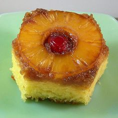 Craving Comfort: Best Pineapple Up-Side Down Cake! add toasted pecans with pineapple. Cake Receipe, Box Cake Recipes, Dessert Recipes, Frosting Recipes, Just Desserts, Delicious Desserts, Yummy Food, Yummy Yummy, Pudding Cake
