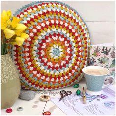 Crochet Pattern Round Crochet Cushion Crochet Pillow | Etsy Crochet Cushion Pattern, Crochet Cushion Cover, Crochet Mandala Pattern, Crochet Cushions, Granny Square Crochet Pattern, Double Crochet, Crochet Patterns, Easy Crochet, Crochet Pouf