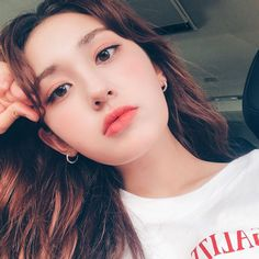 Find images and videos about girl, kpop and somi on We Heart It - the app to get lost in what you love. Kpop Girl Groups, Korean Girl Groups, Kpop Girls, Jeon Somi, Yg Ent, Korean Celebrities, Korean Singer, South Korean Girls, Asian Girl