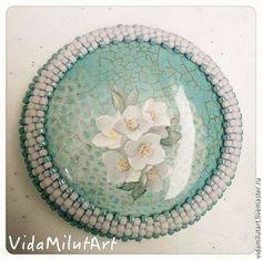 Купить или заказать Цветы жасмина на бирюзе в интернет-магазине на Ярмарке Мастеров. Эта работа выполнена на заказ. Повторение рисунка возможно, но на другом камне будет немного иначе смотреться. Можем изобразить любые цветы - по Вашему желанию и настроению!