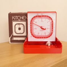 Vintage Red Orange Plastic Kitchen Wall Scales 3 Kg 7lb Made In England By Hanson