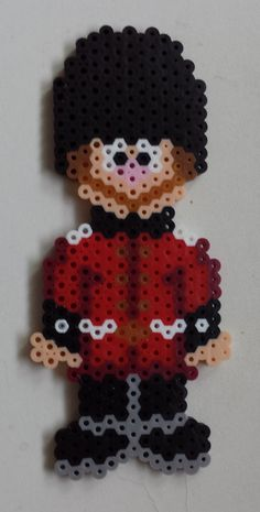 Week 12, Day 78, Role Model, London Guard. 365 Day Perler Bead Challenge. Creation Activities, Hama Beads Design, Peler Beads, Pearler Bead Patterns, Melting Beads, Bead Kits, Plastic Canvas Crafts, Fuse Beads, Hawkeye