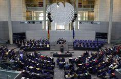Власти Германии назначили охрану 11 депутатам, имеющим турецкое происхождение