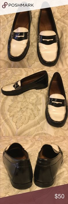 dee0bf29281 Weejuns Loafers size 7 Black  amp  White Women s Weejuns Penny Loafers