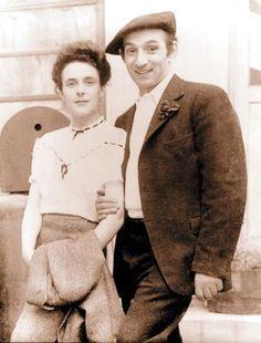 En México frecuentó también al cineasta español Luis Buñuel, se casó con el fotógrafo húngaro Emericz Chiki Weisz (imagen), que era judío, y tuvo a sus hijos Gabriel y Pablo, a los que estaba muy unida. Toda su vida defendió la causa de la mujer y la de los judíos Archivo /EL UNIVERSAL Max Ernst, Alice Rahon, Camille Claudel, Surrealism Painting, Mexican Artists, Diego Rivera, People Art, Outsider Art, Old Photos